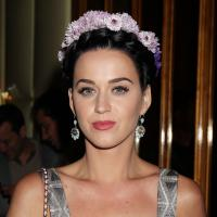 Katy Perry : un look hippie raté pour l'avant-première de Gatsby Le Magnifique