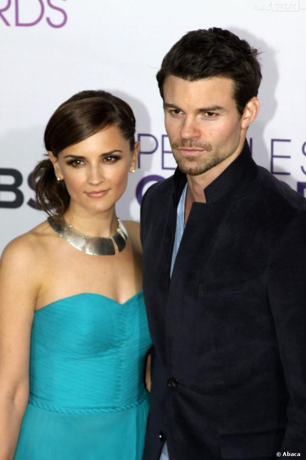 Daniel Gillies et Rachael Leigh Cook bientôt parents