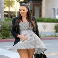 Kim Kardashian enceinte et façon Marilyn Monroe à Los Angeles : oups la robe