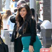 Kim Kardashian enceinte et officiellement divorcée, champagne (sans alcool) !