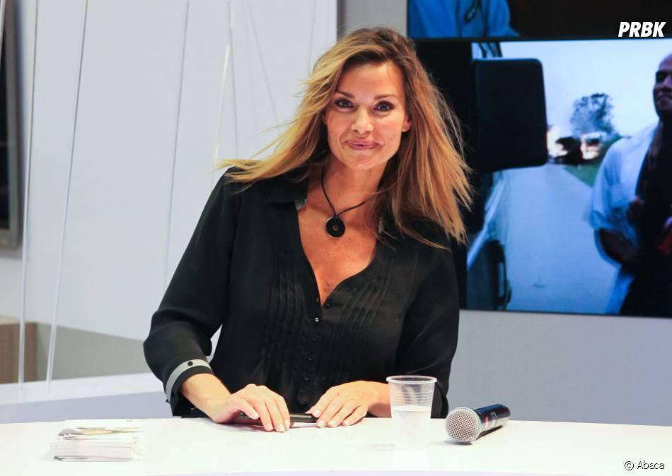 Ingrid Chauvin pendant une séance de dédicaces à Paris en octobre 2010