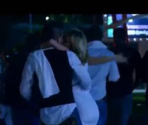 Giulia et Antonin s'embrassent dans Les Marseillais à Cancun