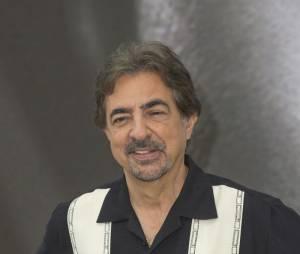 Joe Mantegna répond aux critiques de Mandy Patinkin au Festival de télévision de Monte Carlo 2013