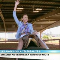 """Les Anges de la télé-réalité 5 - Vanessa en mode sexy cow-girl : """"Je ne fais vraiment qu'un avec la selle"""""""