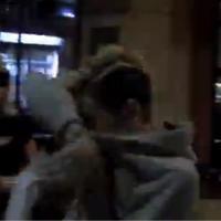 """Miley Cyrus enceinte ? """"Je suis juste malade espèce de biiiiip"""" (VIDEO)"""