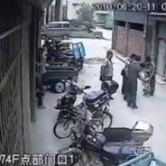 Une petite Chinoise de 2 ans tombe de 5 étages... et survit (VIDEO)