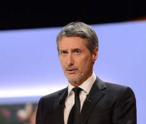 Antoine de Caunes succède à Michel Denisot à la tête du Grand Journal