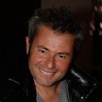 """Jérôme Anthony : l'animateur de M6 aux commandes de """"Séduis-moi si tu peux !"""" sur W9"""
