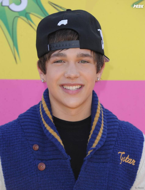 Austin Mahone à la mode Bieber aux Kids Choice Awards 2013