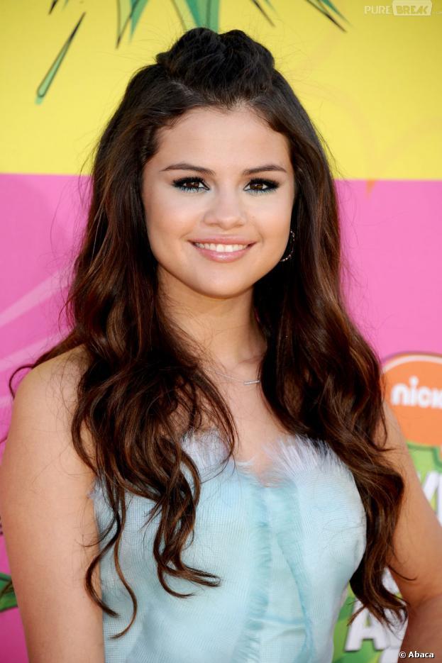 Selena Gomez aux Kids Choice Awards 2013