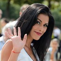 Ayem Nour : classe (et sans décolleté !) pour le défilé Christian Dior