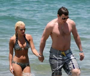 Elisha Cuthbert et Dion Phaneuf en vacances au Maui en mai 2008