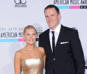 Elisha Cuthbert et Dion Phaneuf en couple aux AMA 2012