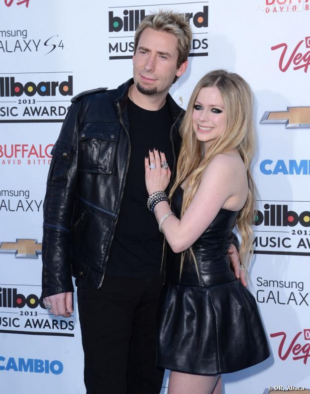 Avril Lavigne s'est mariée en noire avec Chad Kroeger.