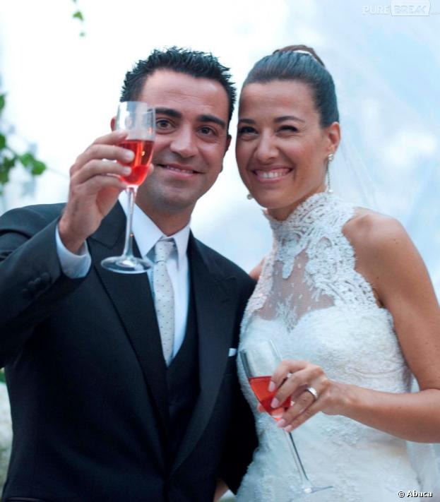Xavi et Nuria Cunillera : jeunes mariés souriants le 13 juillet 2013 en Catalogne