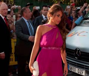 Antonella Roccuzzo, la compagne de Lionel Messi, au mariage de Xavi, le 13 juillet 2013 en Catalogne