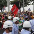 Le Pape François accueilli par une foule en liesse à Rio de Janeiro au Brésil