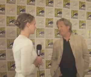 Jennifer Lawrence en mode groupie avec Jeff Bridges au Comic Con 2013