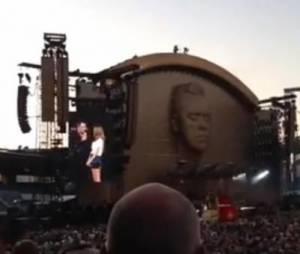 Robbie Williams sait comment remercier ses fans.