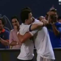 Cristiano Ronaldo : câlin avec un supporter en plein match et photo avec Jennifer Lopez