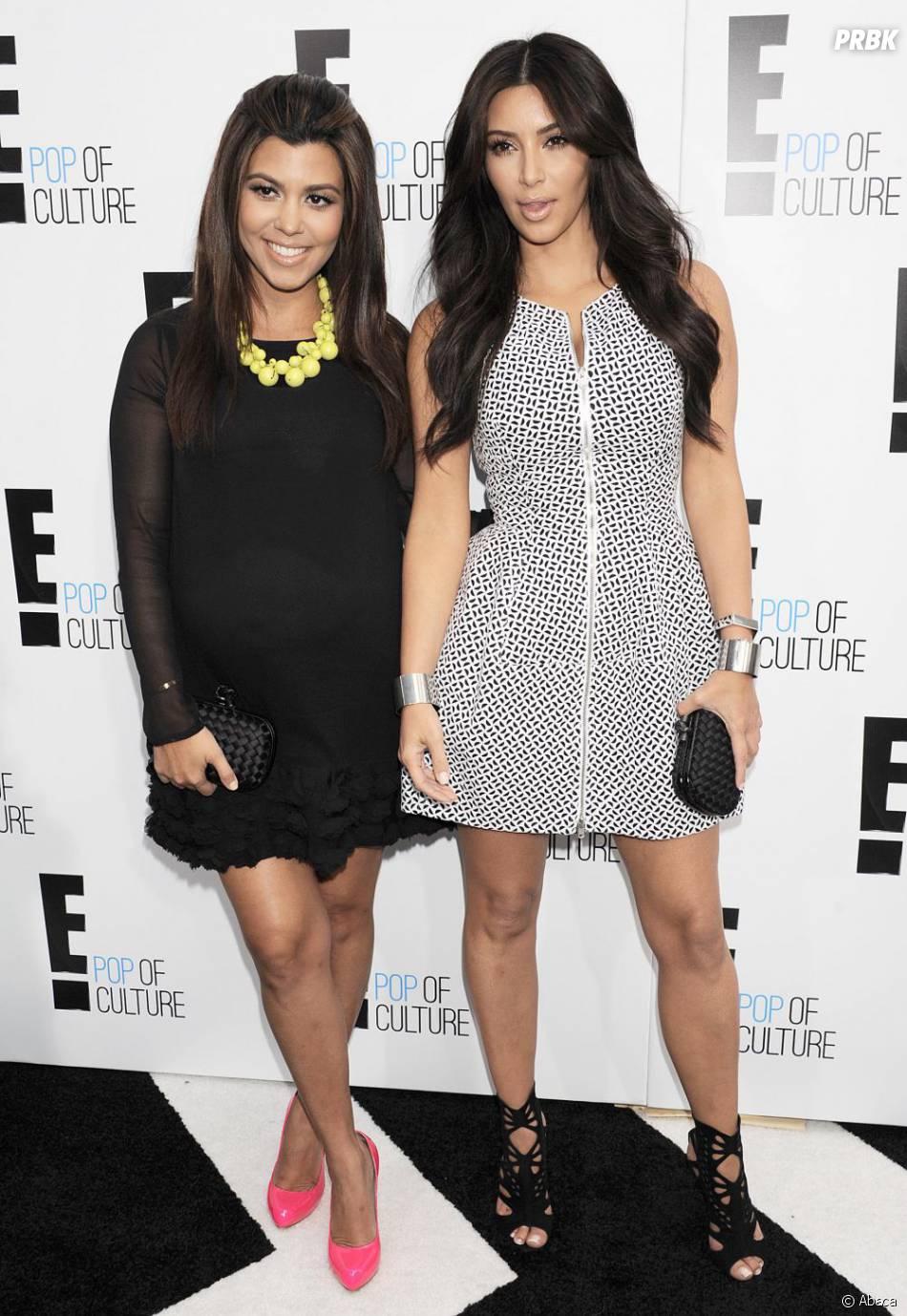 Kourtney Kardashian enceinte et Kim Kardashian, le 30 avril 2012 à Los Angeles