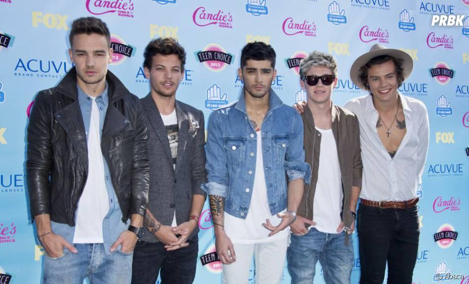 One Direction sur le tapis rouge des Teen Choice Awards 2013