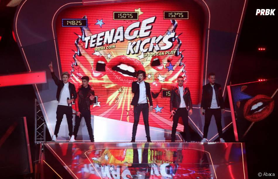 One Direction sur la scène des Brit Awards 2013