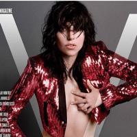 Lady Gaga (encore) topless pour un shooting très osé