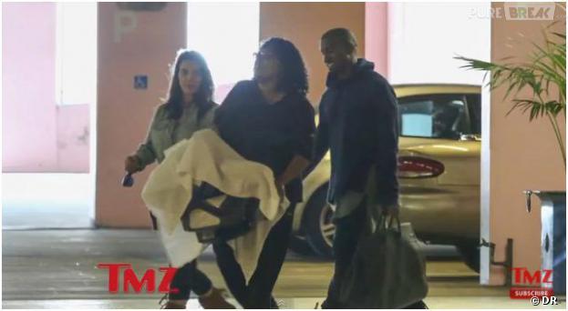 Kim Kardashian, Kanye West et North en famille, en août 2013 à Los Angeles
