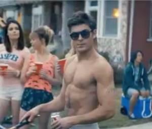 Zac Efron musclé et torse-nu dans la bande-annonce de Neighbors