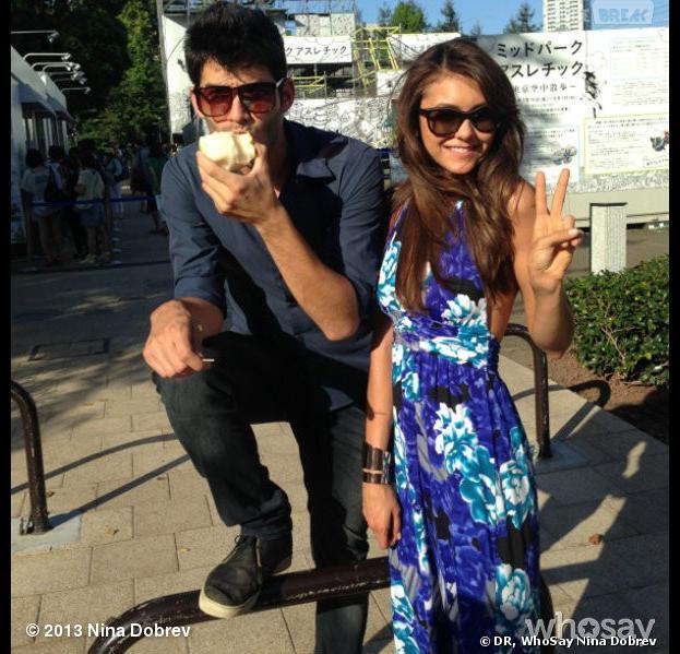 Nina Dobrev en voyage à Tokyo... avec un nouveau boyfriend ?