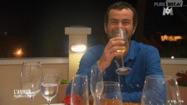 L'amour est dans le pré 2013 : Nicolas prend cher lors de son dîner avec Carine.