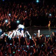 """Beyoncé : un fan la """"kidnappe"""" en plein concert"""
