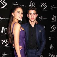 Nick Jonas collé à Olivia Culpo pour fêter ses 21 ans