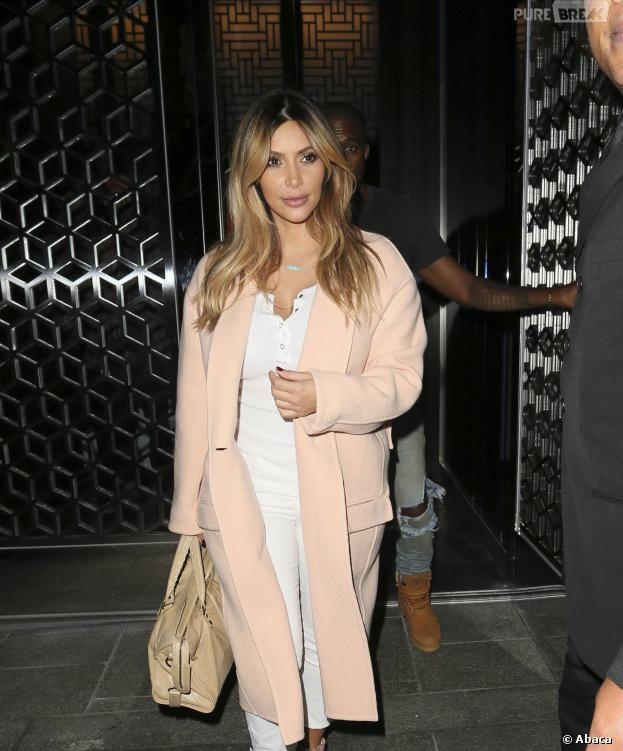 Kim Kardashian s'ennuie dans sa nouvelle vie de maman.