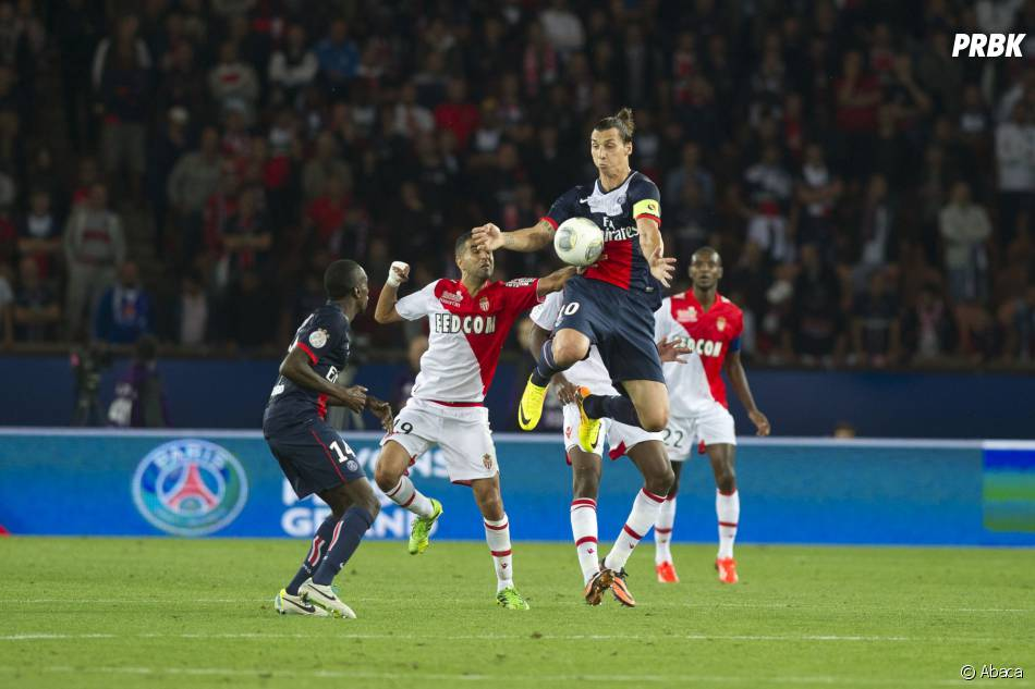 PSG VS AS Monaco : Zlatan Ibrahimovic en pleine action, le 22 septembre 2013 au Parc des Princes