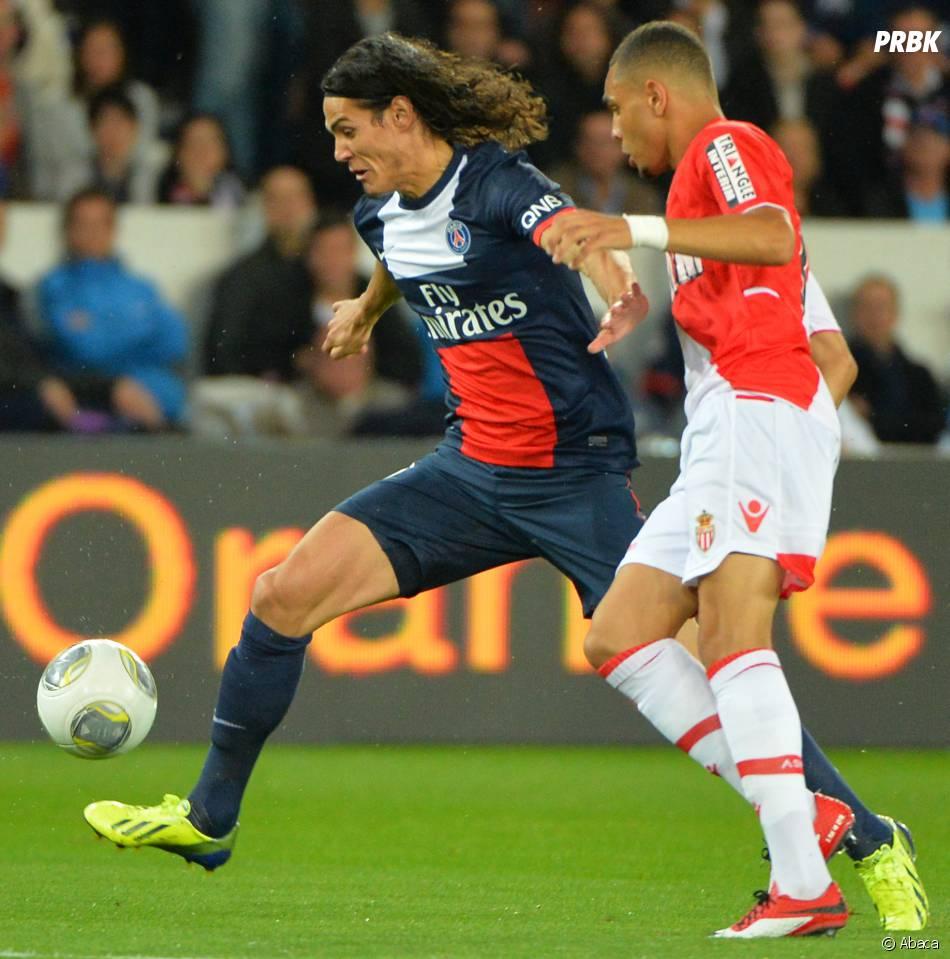 PSG VS AS Monaco : Edinson Cavani balle au pied, le 22 septembre 2013 au Parc des Princes
