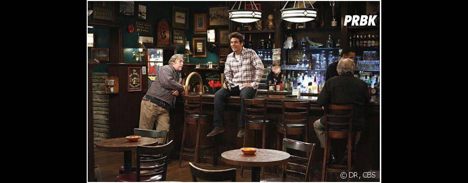 How I Met Your Mother saison 9, épisode 3 : Ted prêt à quitter New York et son bar préféré ?