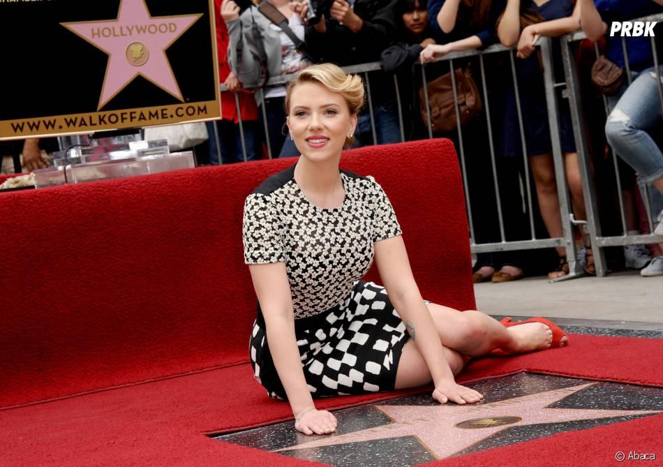 Scarlett Johansson sur Hollywood Boulevard, le 2 mai 2012