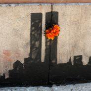 Banksy : foule à New York pour son hommage au 11 septembre