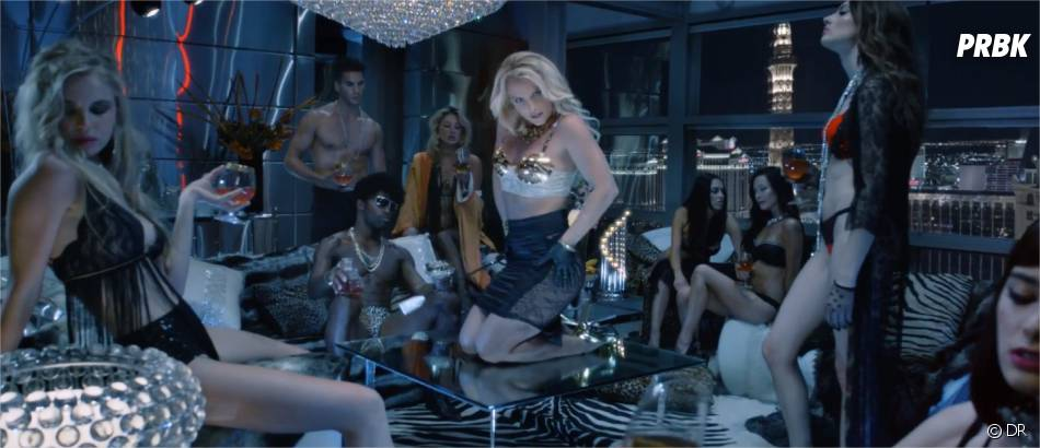 Britney Spears dans le clip de Work Bitch.