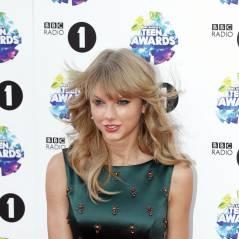Taylor Swift : pas loin de nous montrer sa culotte sur le tapis-rouge