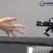 Un robot imbattable à Pierre-Feuille-Ciseaux ? 5 idées de robots encore plus inutiles