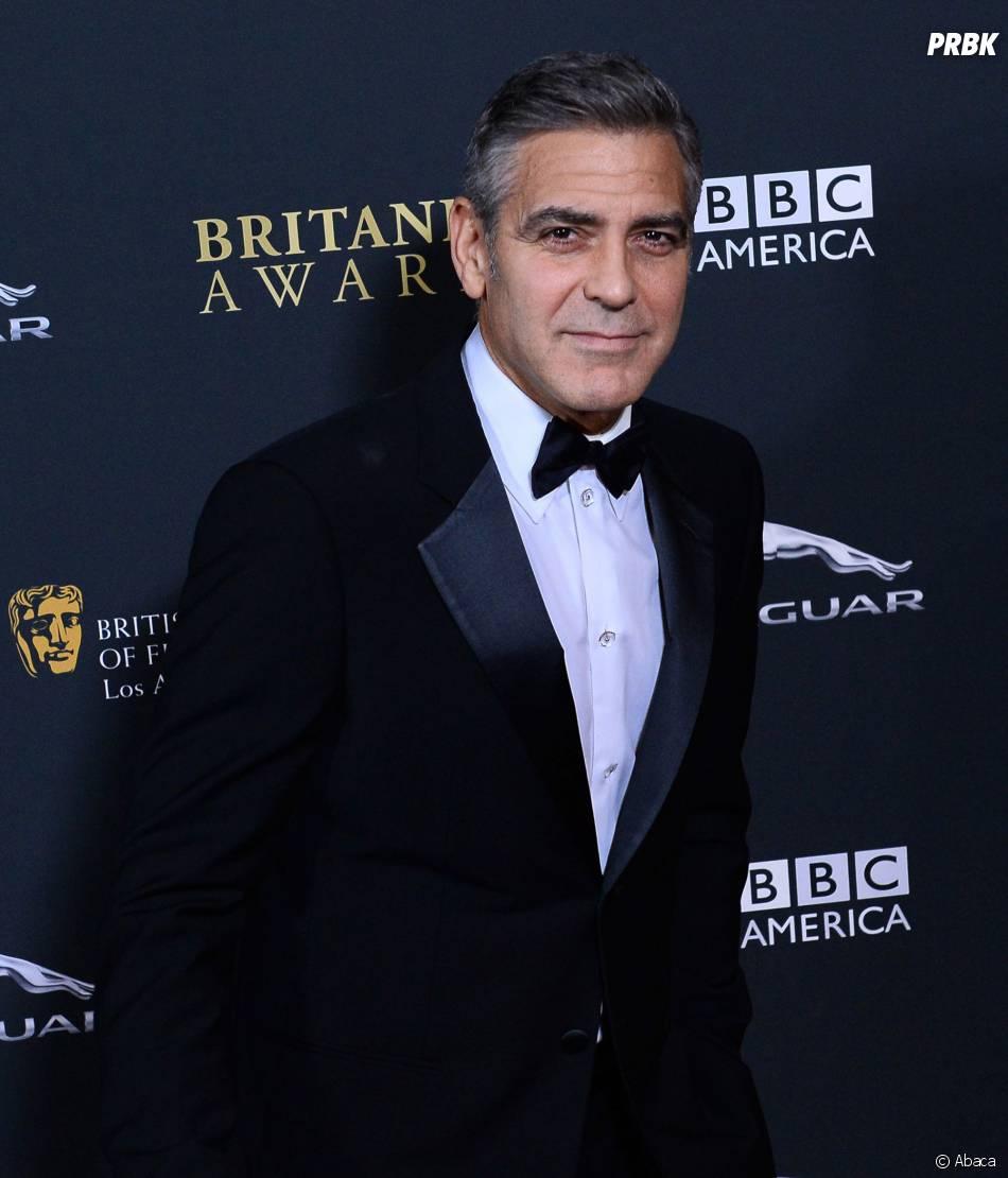 George Clooney : pensée pour les victimes du typhon Haiyan lors des BAFTA LA Britannia Awards le 9 novembre 2013 à Los Angeles