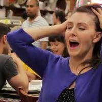 20 femmes simulent l'orgasme dans un resto comme dans 'Quand Harry rencontre Sally'