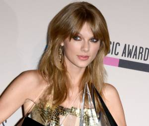 American Music Awards 2013 : Taylor Swift remporte quatre trophées