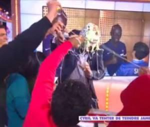 Jamel Debbouze et l'équipe du film La Marche attaquent Cyril Hanouna dans Touche pas à mon poste, le 26 novembre 2013