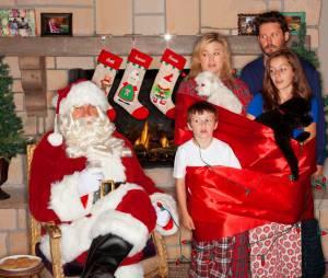 Kelly Clarkson en famille : sa carte de voeux pour Noël 2013