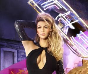 Kim Kardashian sexy pour Noël 2013