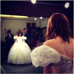 Carly Rae Jepsen se transforme en Cendrillon sur Instagram